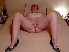 mature Karen rubbing to Orgasm