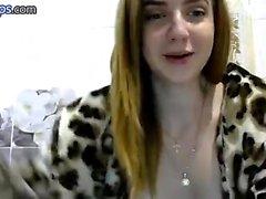 Teenager russo sexy masturba un porno di cam