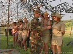 Der Armee pflegen
