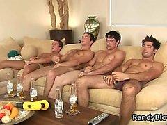 Superheißes Stollen in Homosexuell Porno- Vierer Teil1