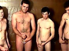 Jugendlich Junge braunen Haare Homosexuell Pissen Liebend Welsey die Jungs