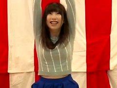 Busty japanilainen poikasen bdsm bondage ja leikittely