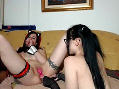 Pretty Hot Lesbo Camgirl Showing Her Goods