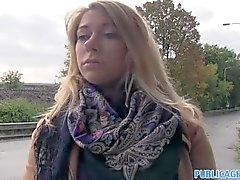 PublicAgent - Ani panee ulkona sekä auto
