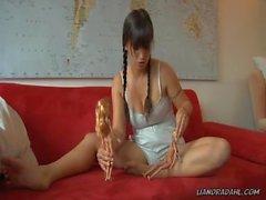 Giantess masturbate with 2 dolls on red sofa