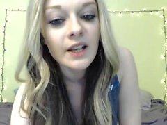 6cam teen ashleyy_x flashing ass on live webcam