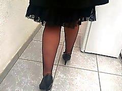 sous sa jupe