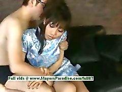 Akari Satsuki masum güzel asyalı kız bir yüz alır