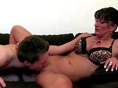 Agente del sesso Coppia dita e scopata da parte del cliente