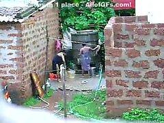 Смотреть это двух горячего Шри-Ланки леди, получить ванны В составе наружного