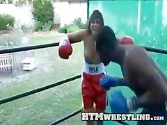 Las tetas al aire del boxeo Mezcla