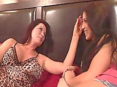 Finger Lickin Girlfriends 02 - Szene 3