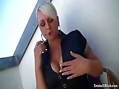 Bridgette ottaa savua
