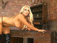 Dannii Harwood 2015/09/17 (1)