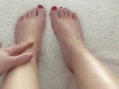 Minha GF brinca com seus lindos pés