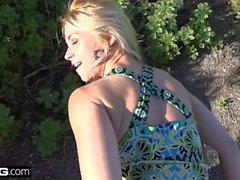 BANG Real MILFS Ariella Ferrara blinkar & knullar i Las Vegas