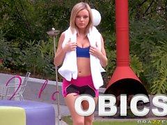 Brea Olson viene sbattuto