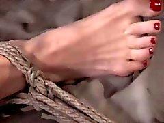 La esclavitud de pecho recibiendo secundario apaleado