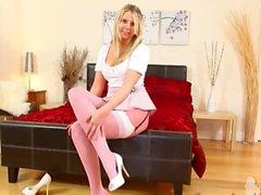 Culottes sexy de nylon rose et de bébé chaud de