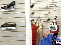 Madison Scott knullas i butiken
