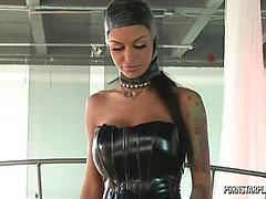 Angelina Valentine bei Domination der Veronica