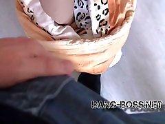 BANG BOSS - 18j Nachbarstocher gefickt mit Monstercumshot