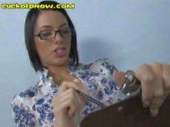 Lady Doutor zomba seu pênis