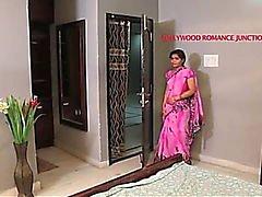indio bella profesora tentar a su estudiante para el romance ....... cortometraje caliente telugu