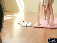 Big tits blond trainer and curvy babes doing yoga naked