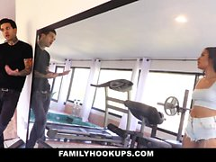 FamilyHookUps - Hot Stepsis dedo cogido