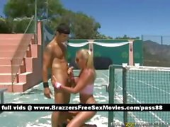 Mature naked blonde chick on the tennis court gets her pussy fucked
