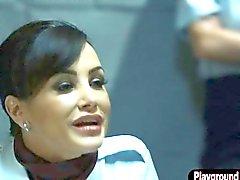 Гидромассажная Блондинка стюардессой Джени Саммерс отдается своего самолете