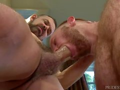 Big Fat Bear Cock per il suo Horny Ginger Hole
