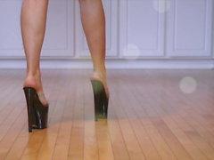 QueenRegina high heel