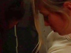 lésbicas loira comendo buceta e agradar o seu amante