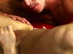 Muscle gay anal anulingus et faciale