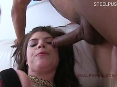 Moglie infedele filled pussy