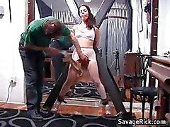 Kinky esmer çapa Brianna onu küçük part1 alır