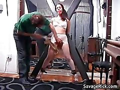 Kinky brunette schoffel Brianna krijgt haar kleine part1