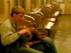 Маленький Blowjob на метро