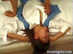 Asiatisk tjej får fitta slickas och körd Part3