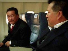 Débauche asiatique sur la un avion avec Asa Akira