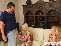 Vollbusige Babes Emma Starr und Nicole Anistons