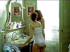 laetitia casta topless dans le grand appartement