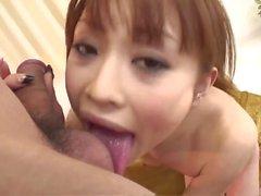 Miina Yoshihara sopporta infinite pollici di cazzo nella sua cu bagnato