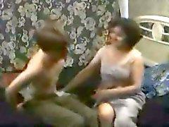 russa Tradutor a mãe e seu filho