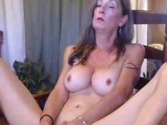 Hot Sexy Busty Camwhore leker Hennes Inbjudande Cooter Hitachi