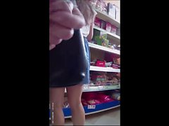 Flash cum in supermarket 3