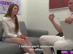 Marika quer ajudar do médico