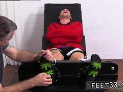 Genç erkek ayakkabı ve ayak ve ücretsiz filmler erotik erkek ayaklar ga